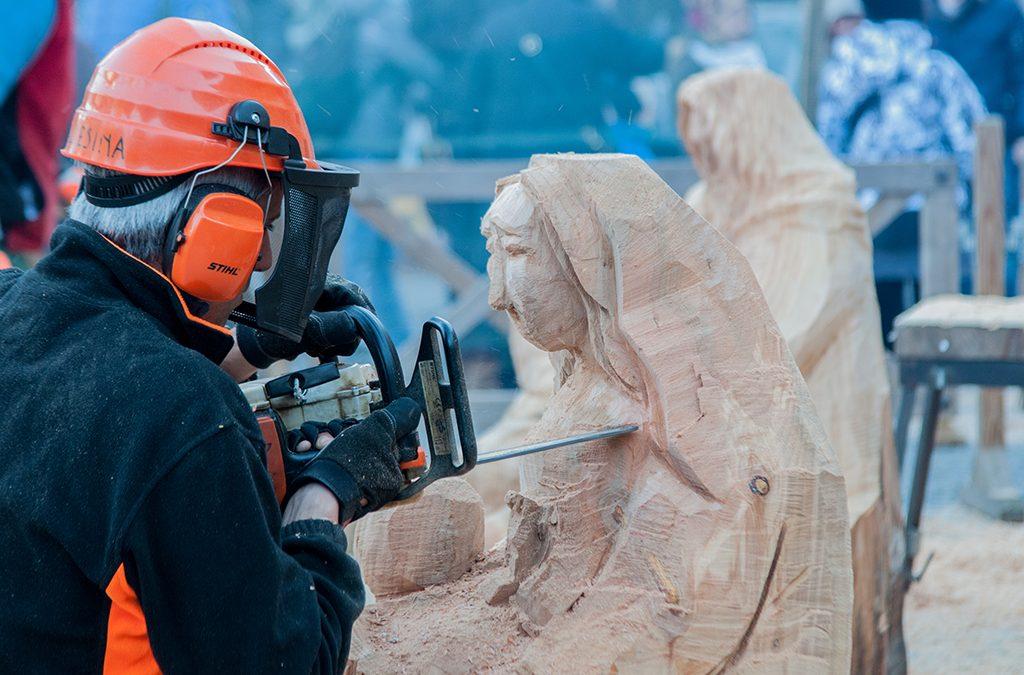 Gli Artisti della Motosega ai Mercatini di Natale di Santa Maria Maggiore