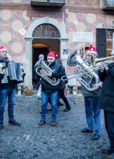 La Bandella Vigezzo ai Mercatini di Natale di Santa Maria Maggiore - ph. Massimo Bertina