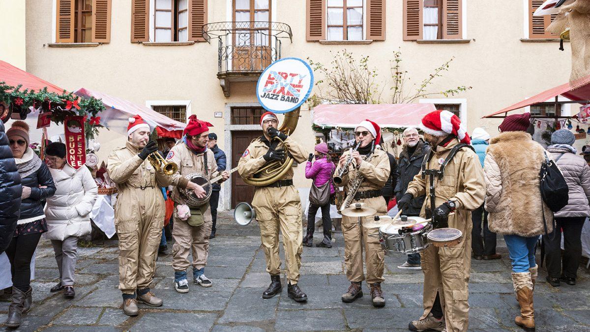 La Dirty Dixie Jazz Band ai Mercatini di Natale di Santa Maria Maggiore - ph. Susy Mezzanotte